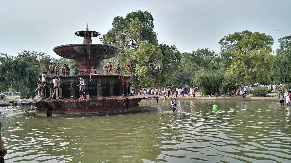 cascade-new-delhi-inde