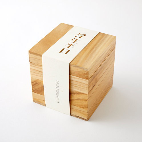 LongShu 浮生半日 ユウラク古樹プーアル熟茶 散茶タイプ ※日本限定100個