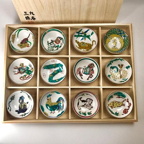 日本九谷燒 十二生肖組杯 ~十二支茶杯セット~ セット木箱包装