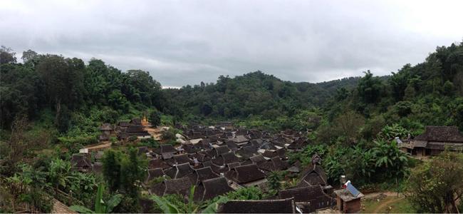 雲南少数民族の村