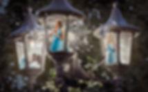2926649-digital-art-women-lantern-fantas