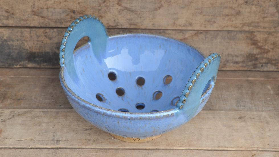 Baby Blue Scallop Handle Colander