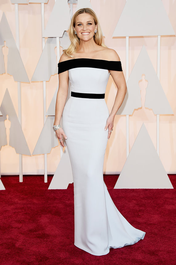 reese-witherspoon-oscars-red-carpet-2015