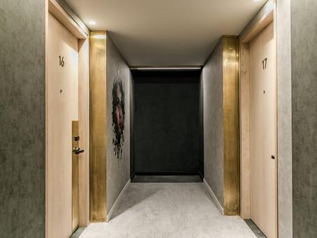 HOTEL FULL OF LIFE