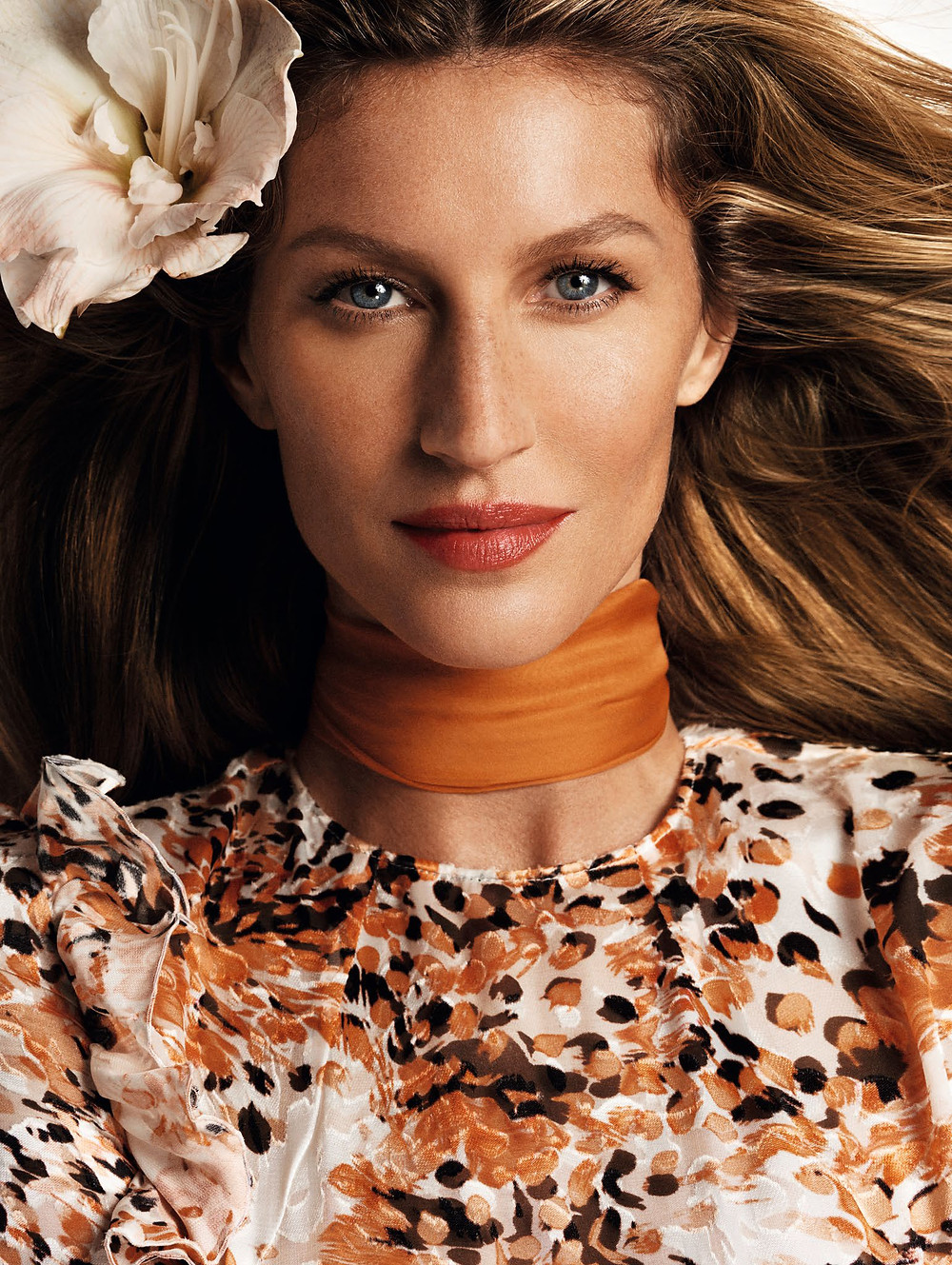 gisele-bc3bcndchen-by-mario-testino-for-vogue-china-march-2015-4