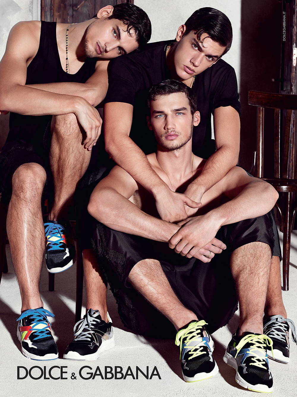 dolce-and-gabbana-summer-2015-men-advertising-campaign-08-zoom