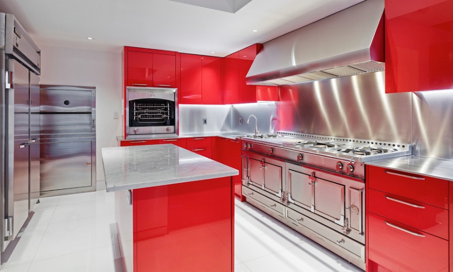 01 red-lacquer-kitchen