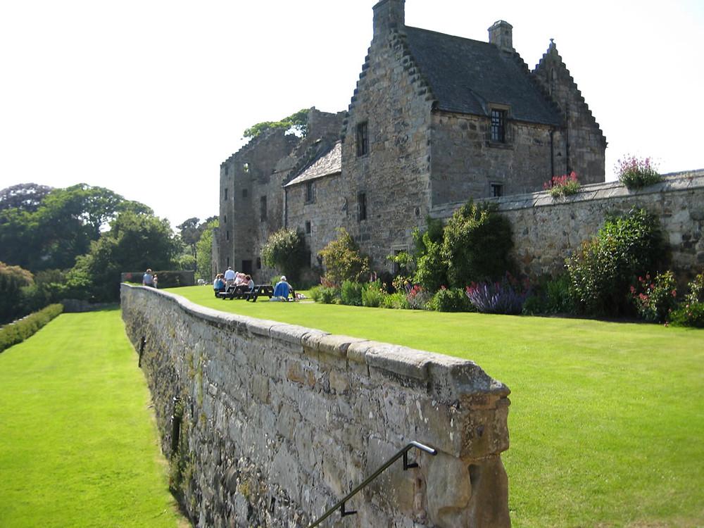 castle-aberdour-castle-scotland