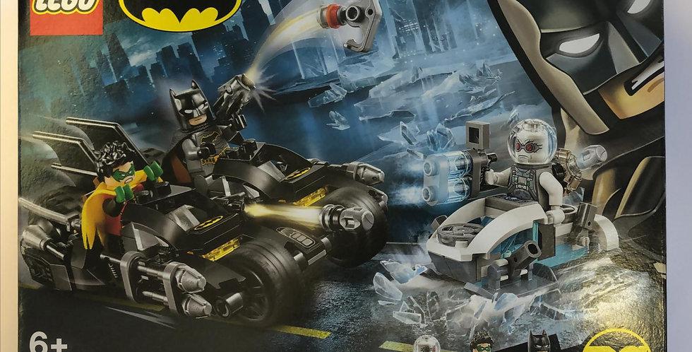 Lego DC: Mr Freeze Batcycle Battle