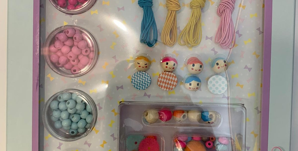 Djeco: Beads and Figurines