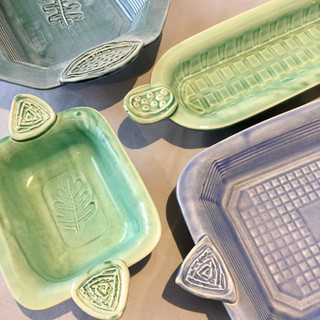Patterned pressed dishes