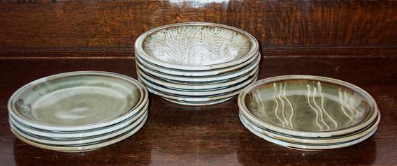 818-830  dinner plates.jpg