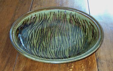 712 - Large slipware dish.jpg
