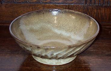 856 - large fluted bowl.jpg