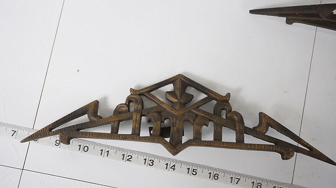 3 Pcs Of Early 1900s Curtain Rod Clips - Cast Iron