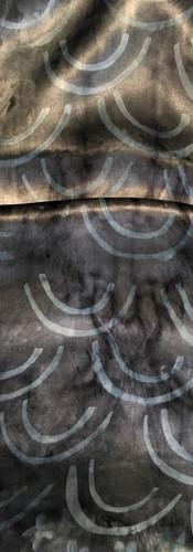Echarpe en crêpe satin double 150x22 cm
