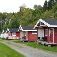 4 utleiehytter for 4 personer (ordinære campinghytter).