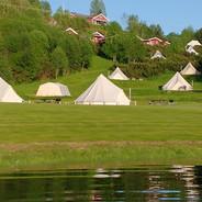 Lystang Glamping ligger ved Heddalsvatnet, som er en del av Telemarksvassdraget.
