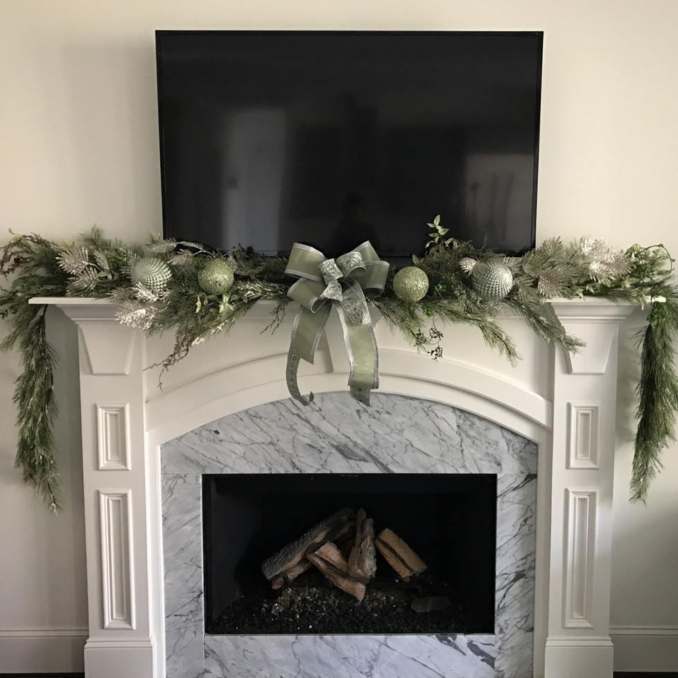 Schedule Your Holiday Decorating Today