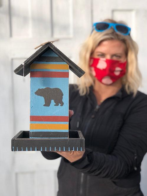 Birdfeeder Bear Design
