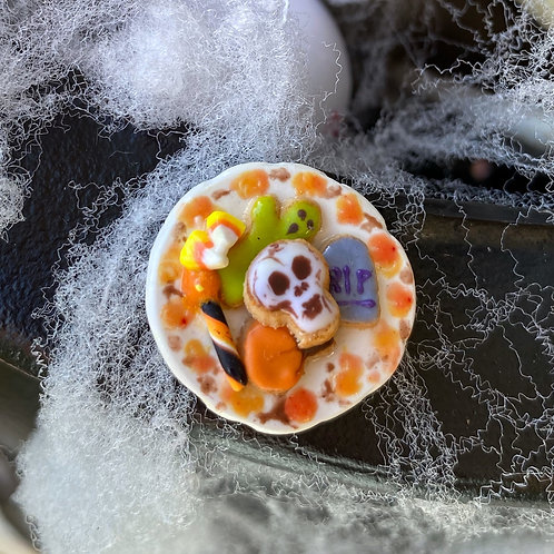 Halloween Cookies Plate Pin or Magnet