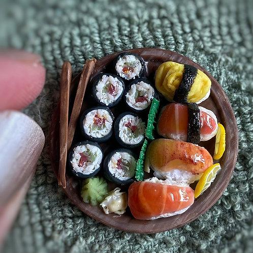 Sushi Plate with Nigiri and Tuna Roll