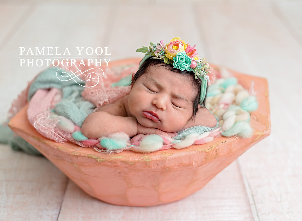 Toronto Newborn Photographer - Baby girl in bowl with pink and turquoise