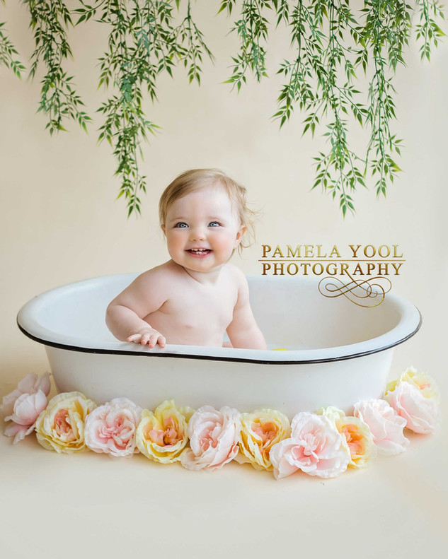 First Birthday Cake Smash and Splash Photography in Toronto studio