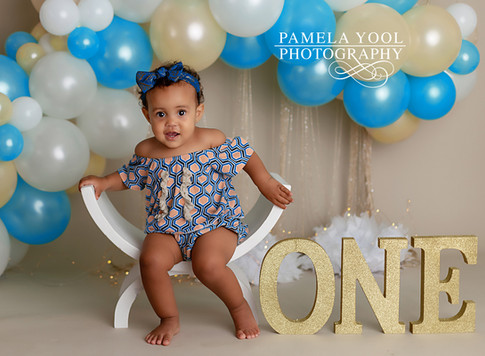 Baby girl Cake Smash in blue and yellow