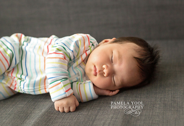 Newborn photographer at your house