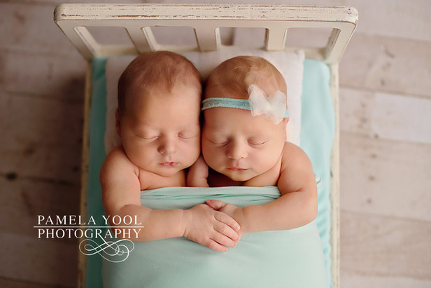 Newborn Twin Photography Toronto