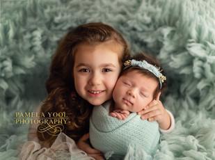 Newborn and Sibling Photography Toronto
