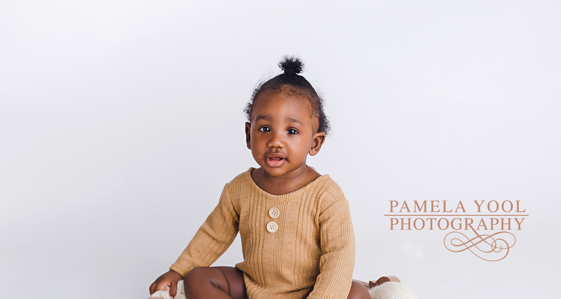 Baby Photography Studio with Outfits Toronto