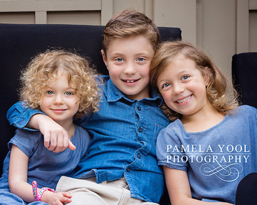Child photography - Sibling outdoor portrait session