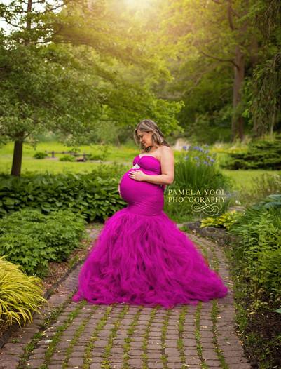 Outdoor Maternity Photographer Toronto