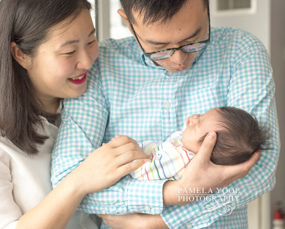 Toronto newborn photographer that comes to your house