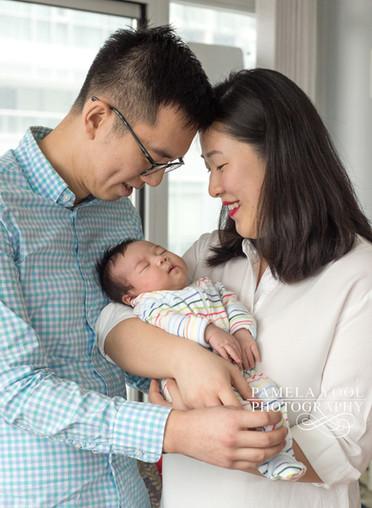 Toronto newborn photographer at home