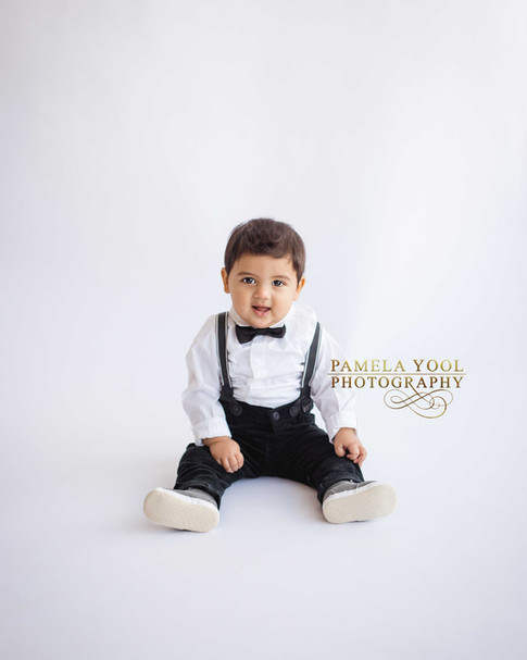 Simple All White First Birthday and Cake Smash Photography