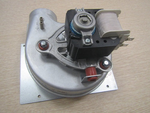 Buderus Logamax U002, U052 вентилятор 8716143201