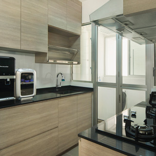 BLK25A St George Lane_Kitchen_02.jpg