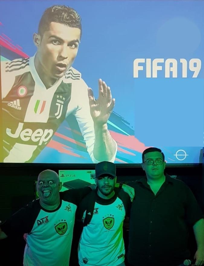 COPA FIFA do TIO CHICO ADDAMS