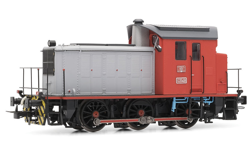 Electrotren E3814, Locomotora diésel RENFE serie 303, época V