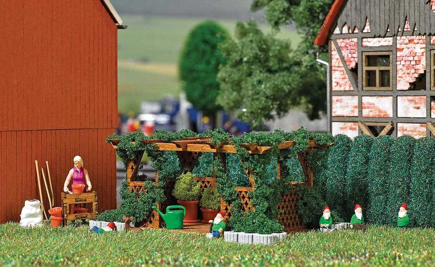 """Busch 7873,  Mujer jardinera, gnomos, pérgola y accesorios jardín - """"Action Set"""""""