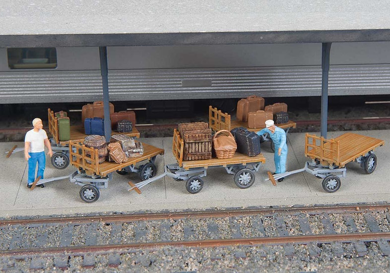Scene Master 4135,  Pack  para armar 5 carros de equipajes (HO)