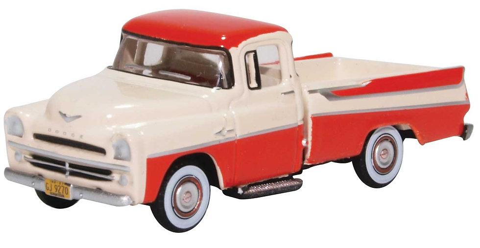 Oxford, camioneta 1957 Dodge D100 Sweptside Pick Up