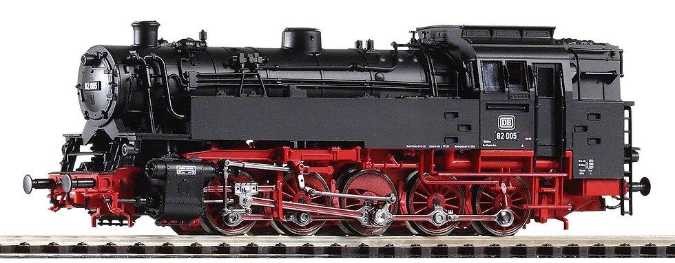 PIKO 50047. Locomotora a vapor BR 82, DB, época III
