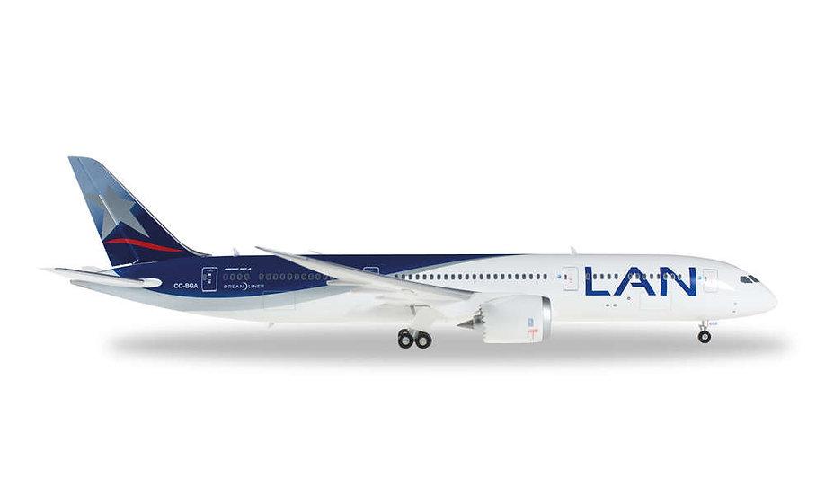 Herpa 557405, LAN AIRLINES BOEING 787-9 DREAMLINER (1:200)