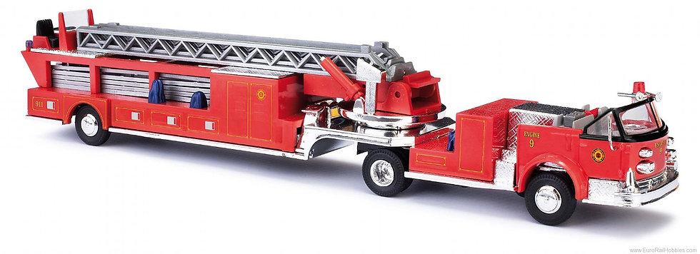 Busch 46031, Carro de bomberos LaFrance con escalera giratoria y telescópica