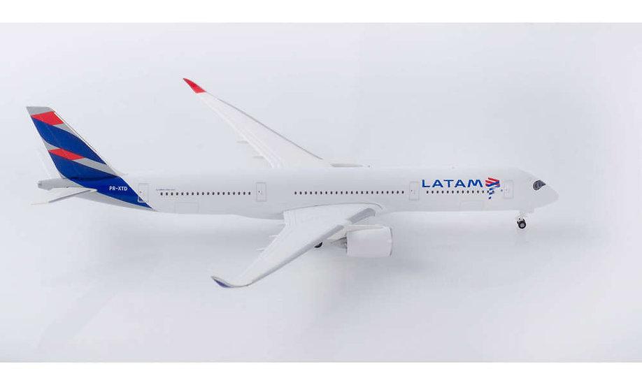 Herpa 532754,  LATAM BRASIL AIRBUS A350-900 (1:500)