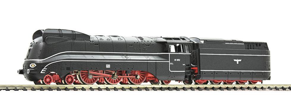 FLEISCHMANN 717475. Locomotora a vapor BR 01.10, DRB, época II [DCC CON SONIDO]